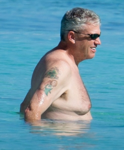 EXCLUSIVE: NY Jets coach Rex Ryan and wife Michelle show some PDA whilst enjoying a Bahamas vacation